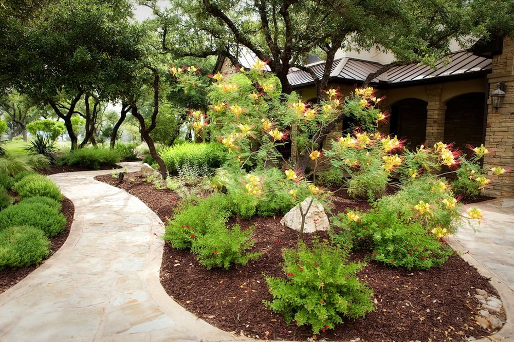 Hill country landscaping yelp for Country landscaping ideas