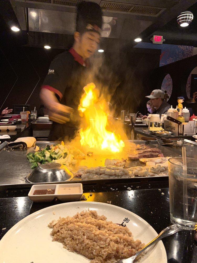 Tomo Japanese Steakhouse and Sushi Bar: 7411 N Keystone Ave, Indianapolis, IN