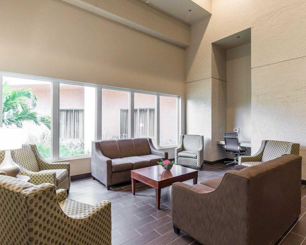 Comfort Inn & Executive Suites