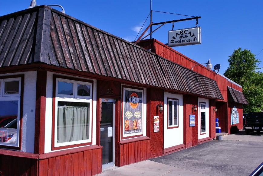 Bearcat's Fish House: 295 4th St, Algoma, WI