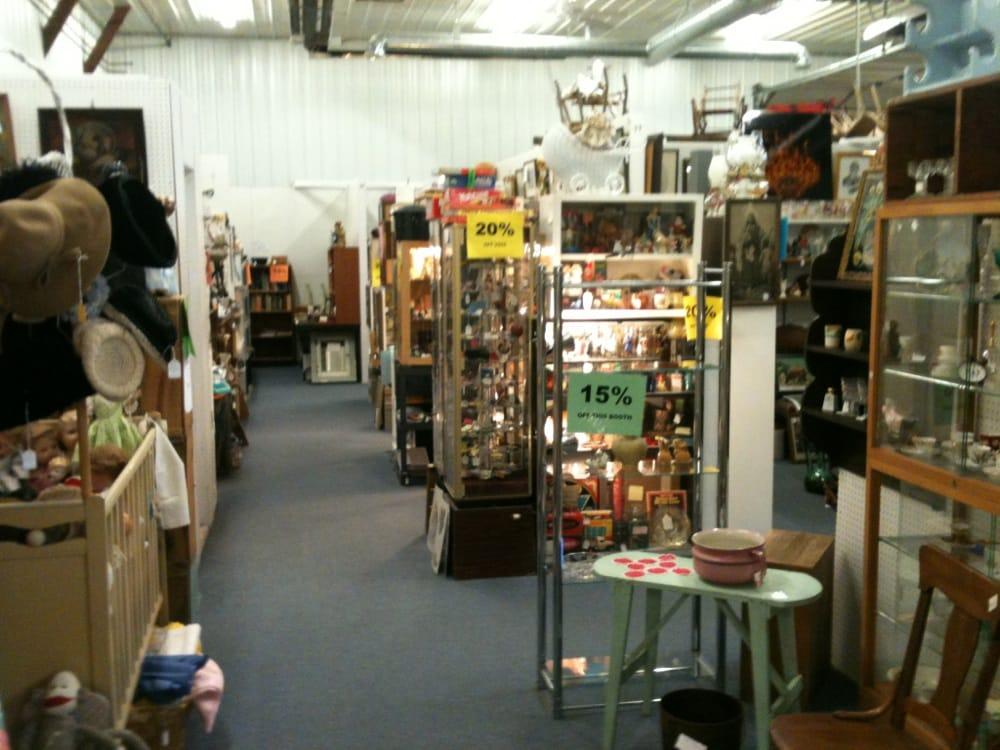 Antiques Iowa: 1639 Broad St, Story City, IA