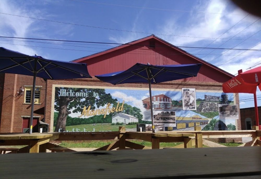 Roosters Drive Inn: 3069 State Hwy 11, Mansfield, GA
