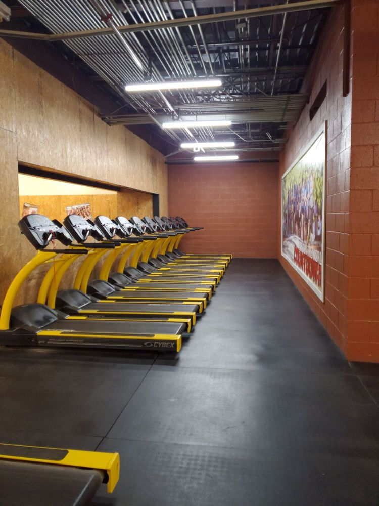 Photo of Fitness World Gym: Bennettsville, SC