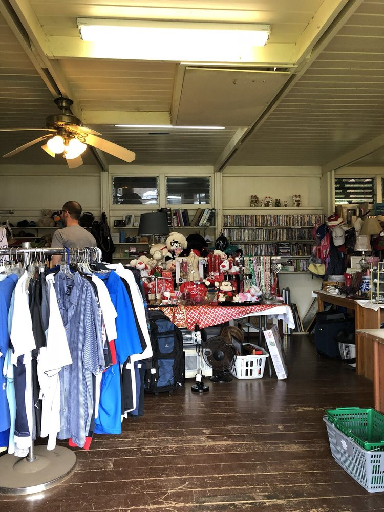 The Helen Mitsui Shared Blessings Thrift Shop: 2530 Kolo Rd, Kilauea, HI