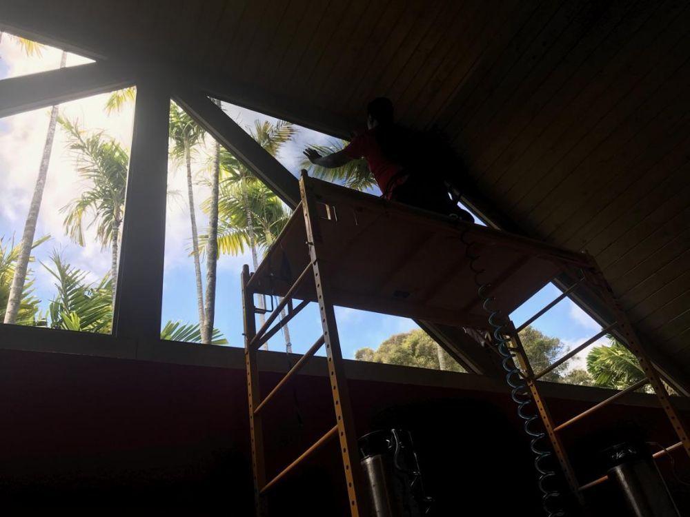 Tinting Hawaii