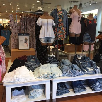 Photo Of American Eagle Outfitters