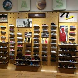 1006027c439698 Vans - Shoe Stores - 2550 Somersville Rd