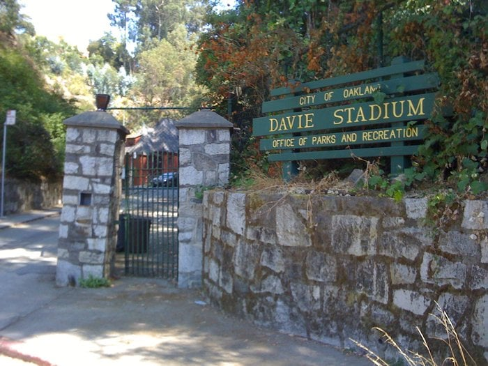 Davie Tennis Stadium: 198 Oak Rd, Oakland, CA