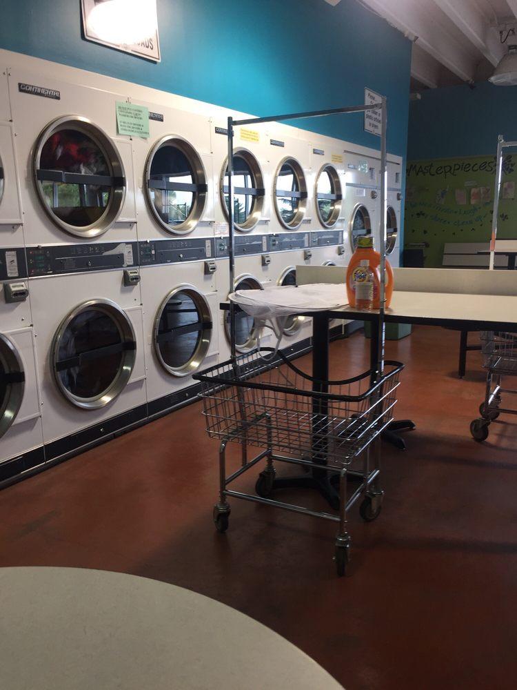 Wash City Laundromat: 610 Jeffco Blvd, Arnold, MO