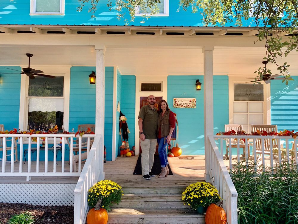 Yellow House Bed and Breakfast & Event Center: 2290 Fm 2268, Salado, TX