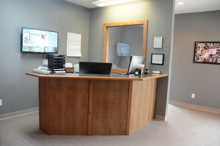 Lowe Chiropractic Clinic: 59 E Green St, Winterset, IA