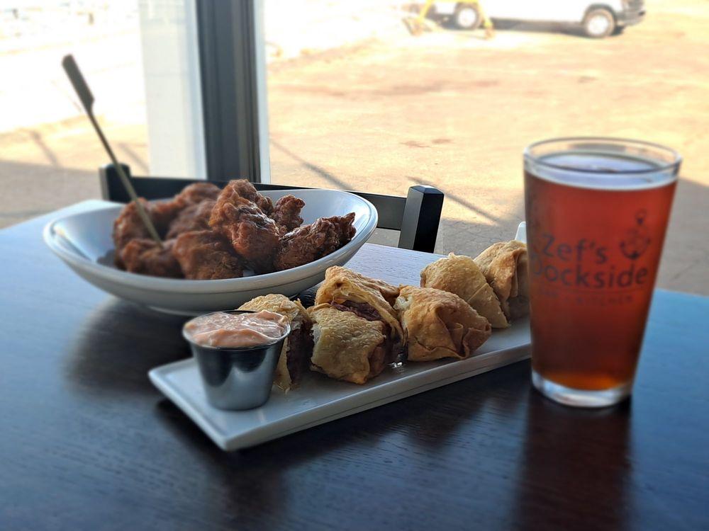 Zef's Dockside Bar & Kitchen: 24026 Jefferson Ave, St Clair Shores, MI