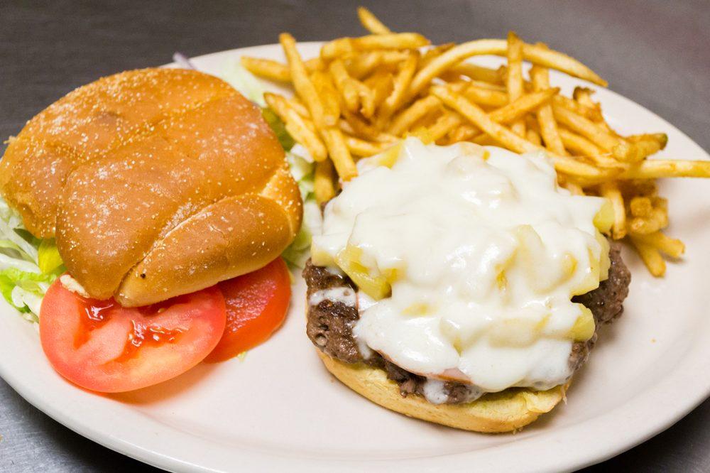 Hungry Bear Restaurant: 2706 Bighorn Ave, Cody, WY