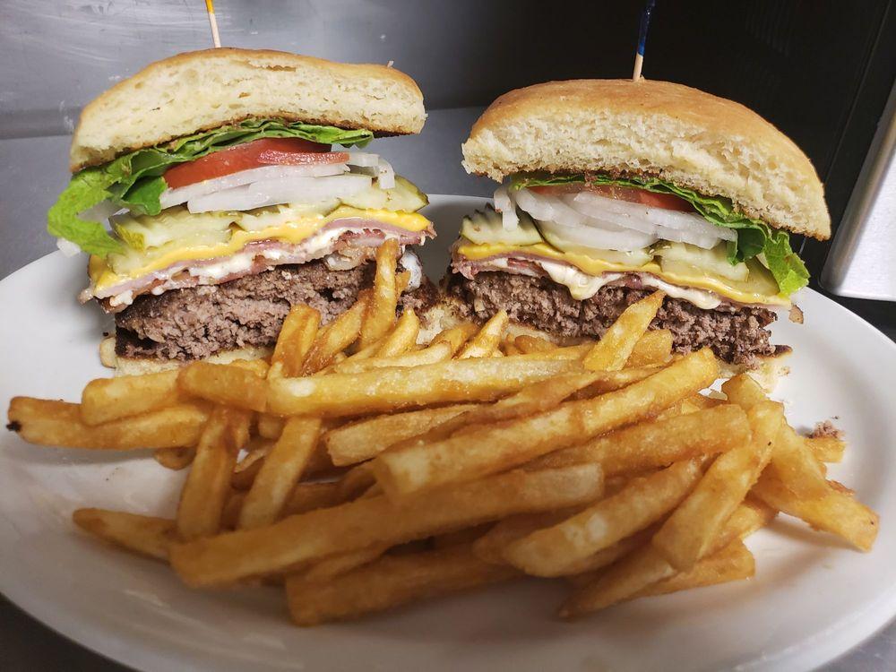 C&D'S Tekoa Bar & Grill: 132 N Crosby, Tekoa, WA
