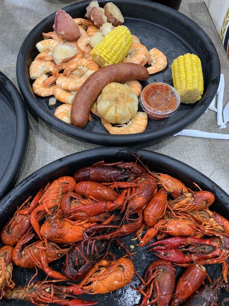 The Seafood Pot: 14386 River Rd, New Sarpy, LA