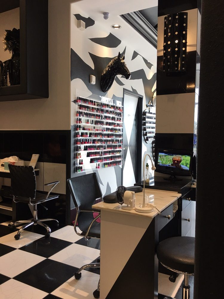Photos for Rich and Famous Nail Salon - Yelp