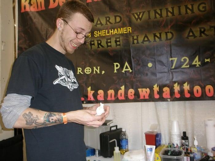 Kan-Dew Tattoo & Body Piercing Studio: 142 W State St, Sharon, PA
