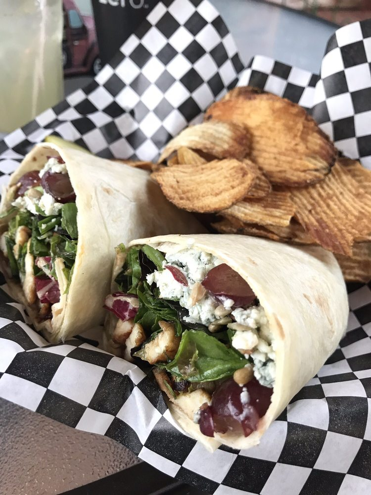 Lucky Dog Cafe: 849 River Rd, Confluence, PA
