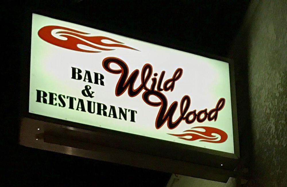 Wildwood Bar & Restaurant: 121 E River St, Woodville, WI