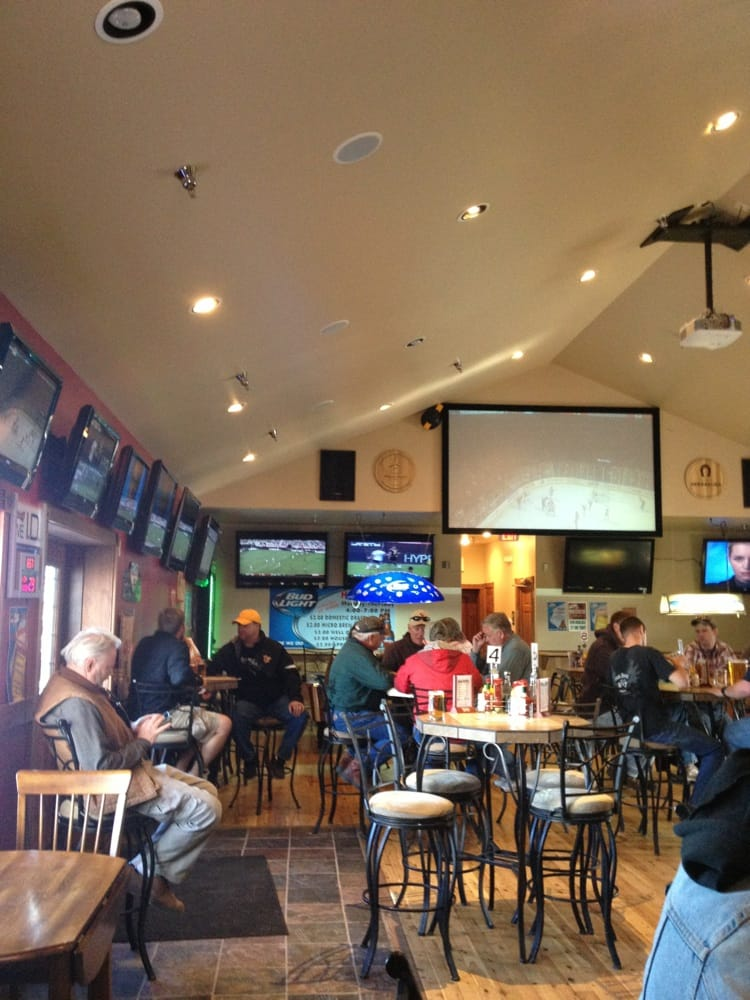 Snowy Range Sports Bar & Grill: 223 S Adams St, Laramie, WY