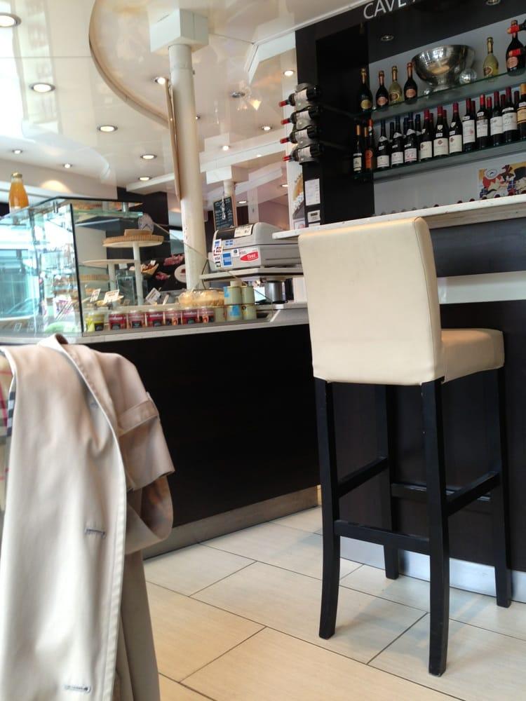 Le grand jean sp cialit s culinaires 58 rue des for Restaurant le miroir rue des martyrs