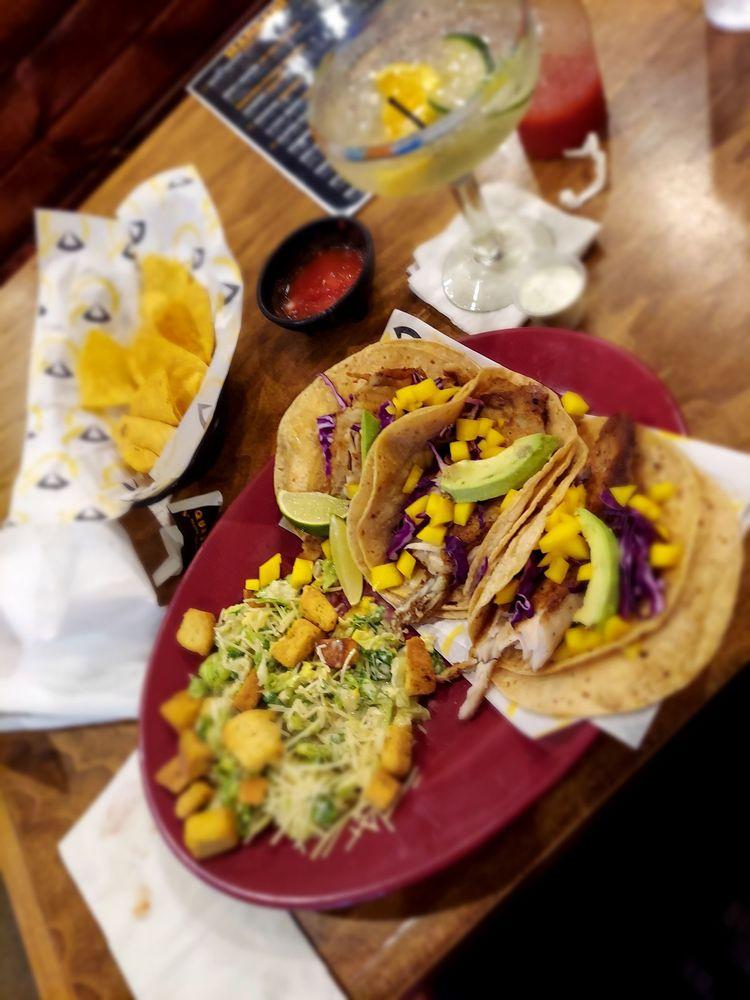 Queso's Mexican Bar & Grill - Burlington: 321 N Roosevelt Ave, Burlington, IA