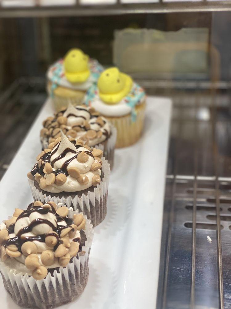 Moo's Creamery: 502 Ann St, Pickens, SC