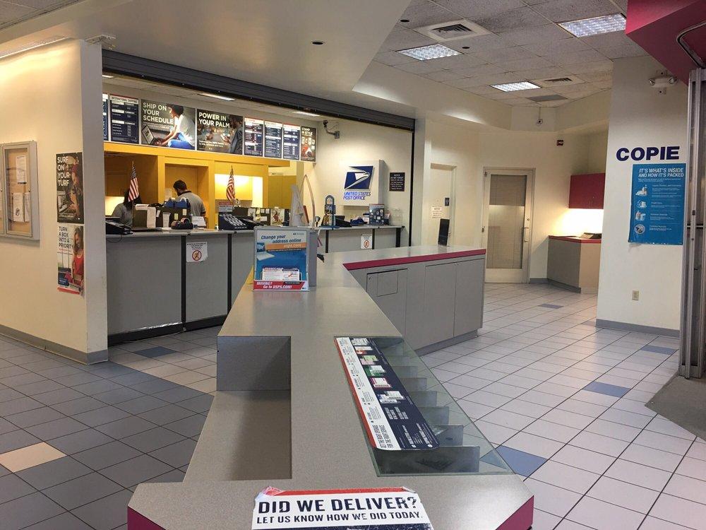 U S Post Office: 200 E San Augustine St, Deer Park, TX