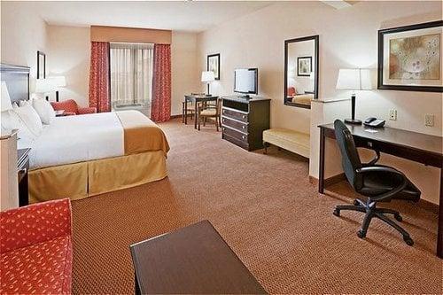 Holiday Inn Express & Suites Altus: 2812 E Broadway St, Altus, OK