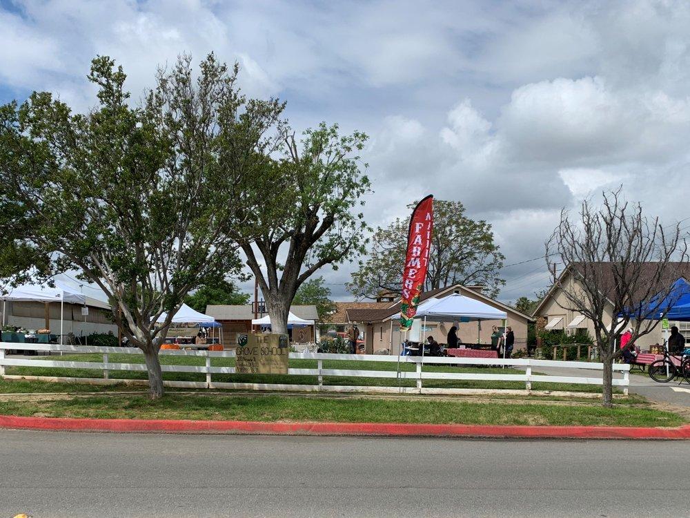 The Farmers' Market at the Grove School: 11126 Iowa St, Redlands, CA