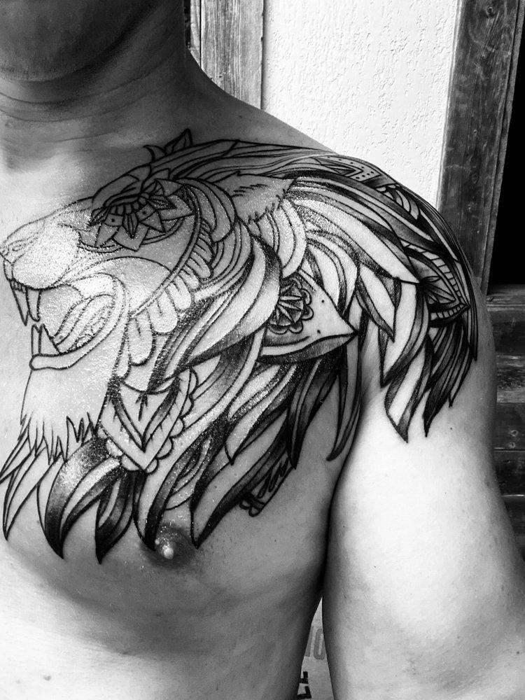 Slangin Ink Tattoo Studio: 8603 Fm 78, Converse, TX