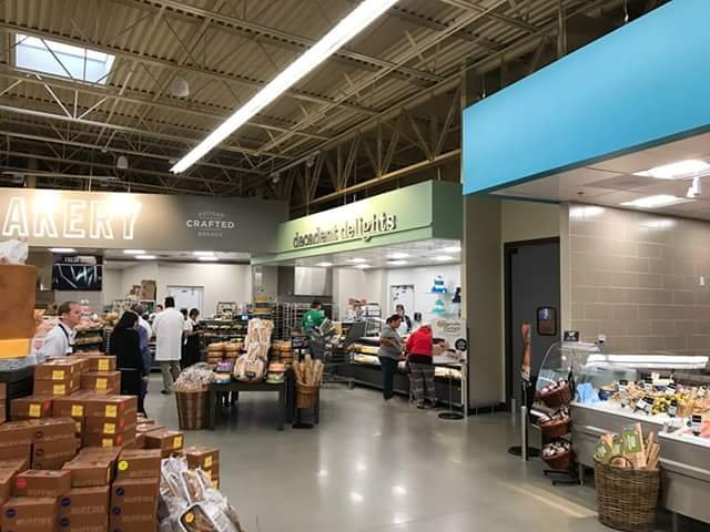 Hy-Vee: 1307 18th Ave NW, Austin, MN