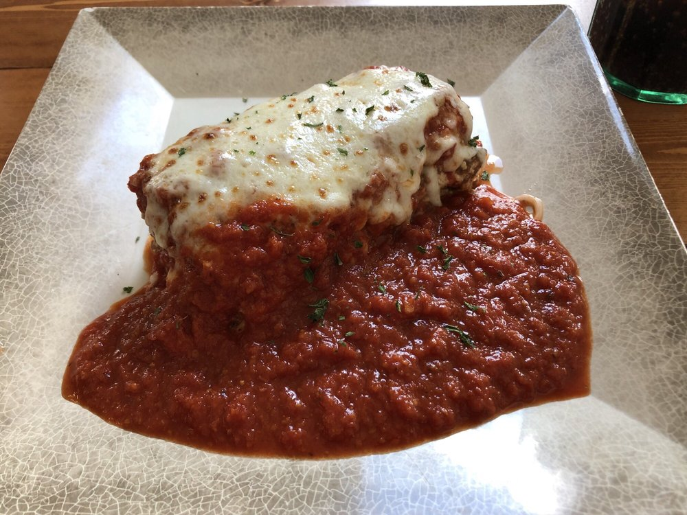 Nucci's Bar & Restaurant: 231 N Madison St, Pittsfield, IL