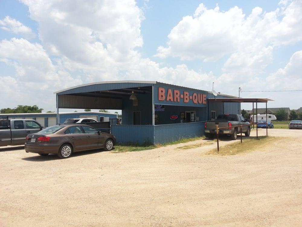 Circle S Bar-B-Que: 2201 N Travis Ave, Cameron, TX