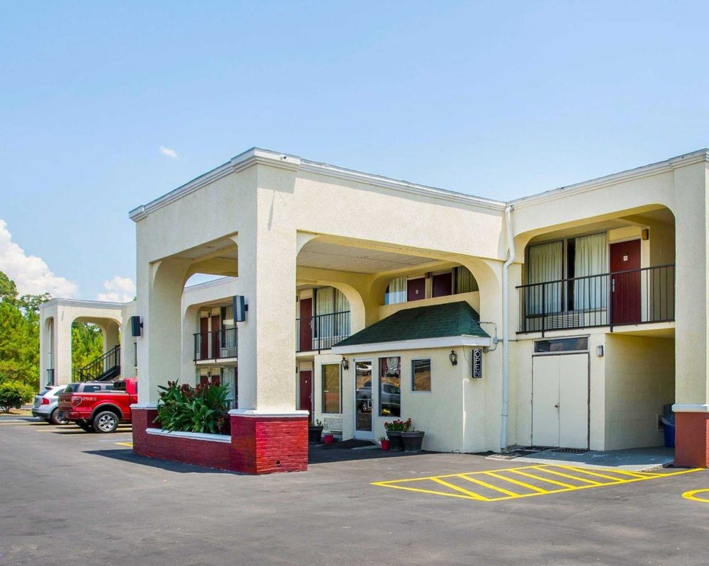 Econo Lodge: 1421 MLK Jr Expressway, Andalusia, AL