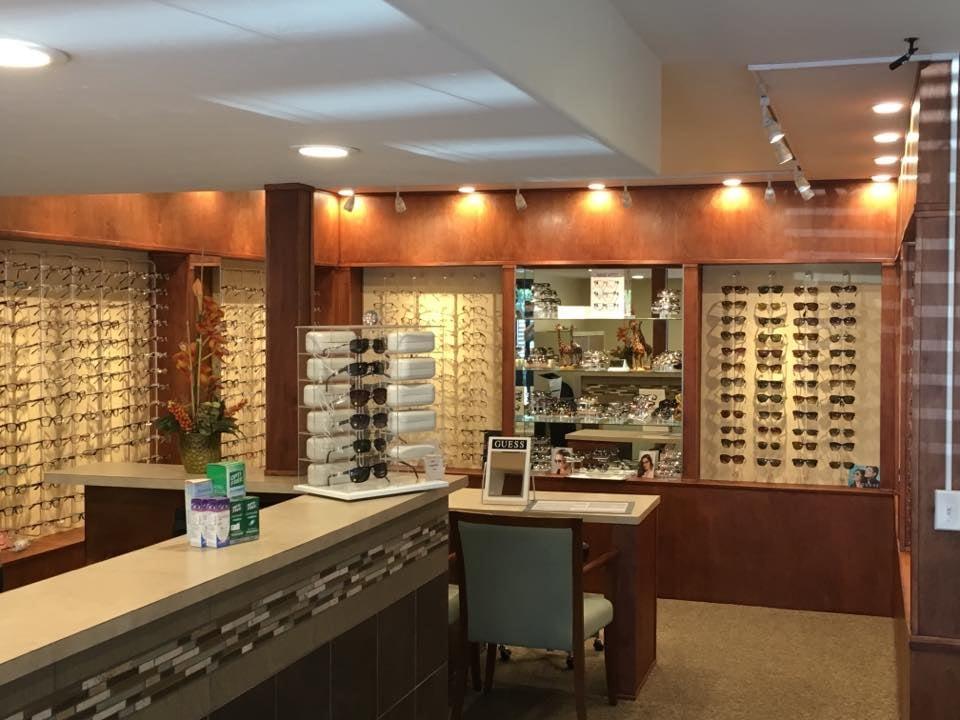Vista Vision Associates of Optometry: 1102 South Main Ave, Fallbrook, CA