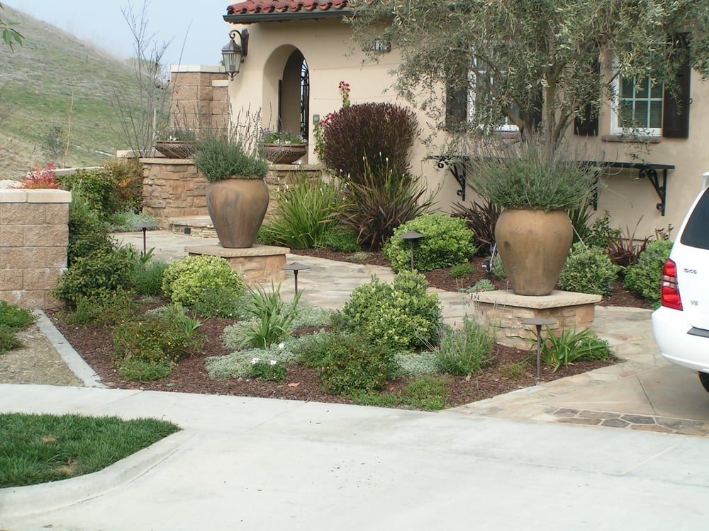 You can have a beautiful landscape without turf water for Front of house magazine