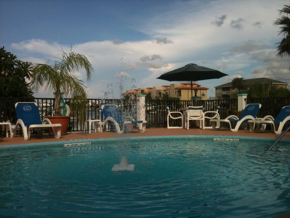 Sand Vista Motel: 17495 Gulf Blvd, Redingtn Shor, FL