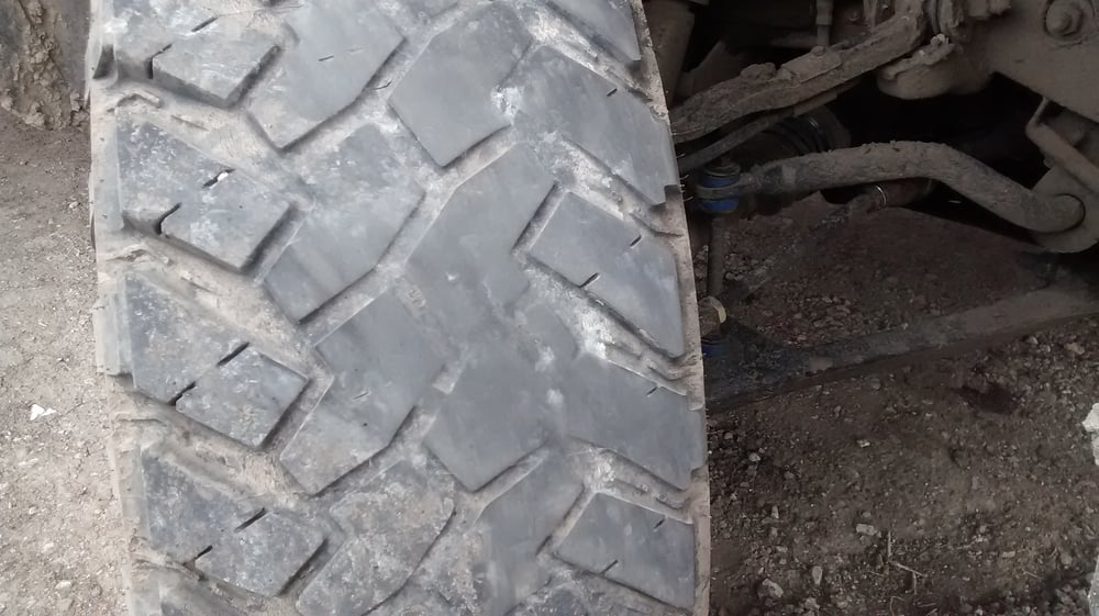 Rob's Guaranteed Used Tires: 1219 N Jesse James Rd, Excelsior Springs, MO