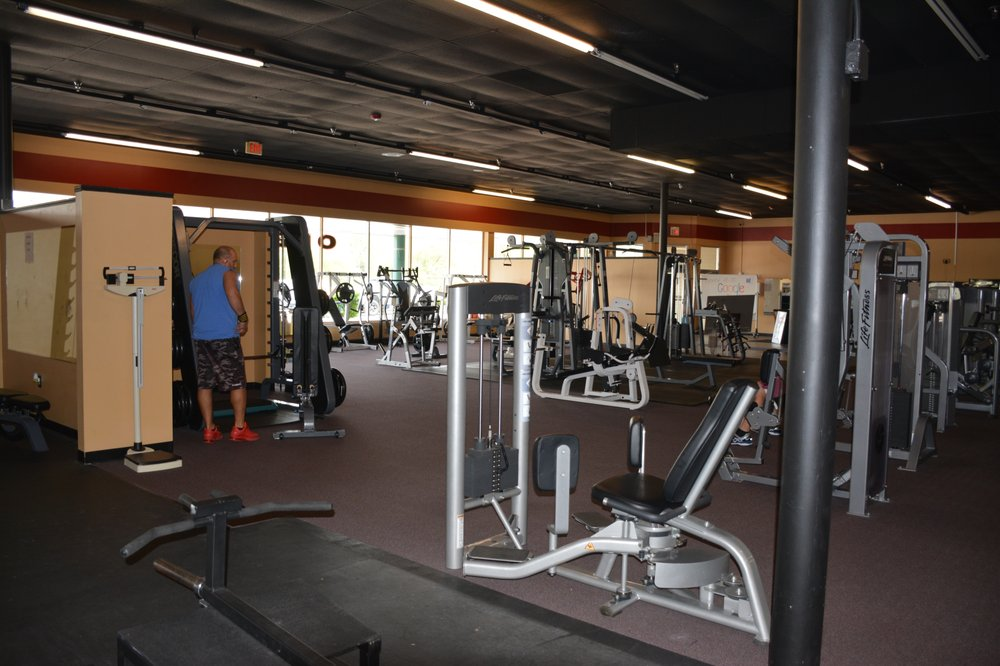 Forever Fitness 24: 1500 Canton Rd, Akron, OH