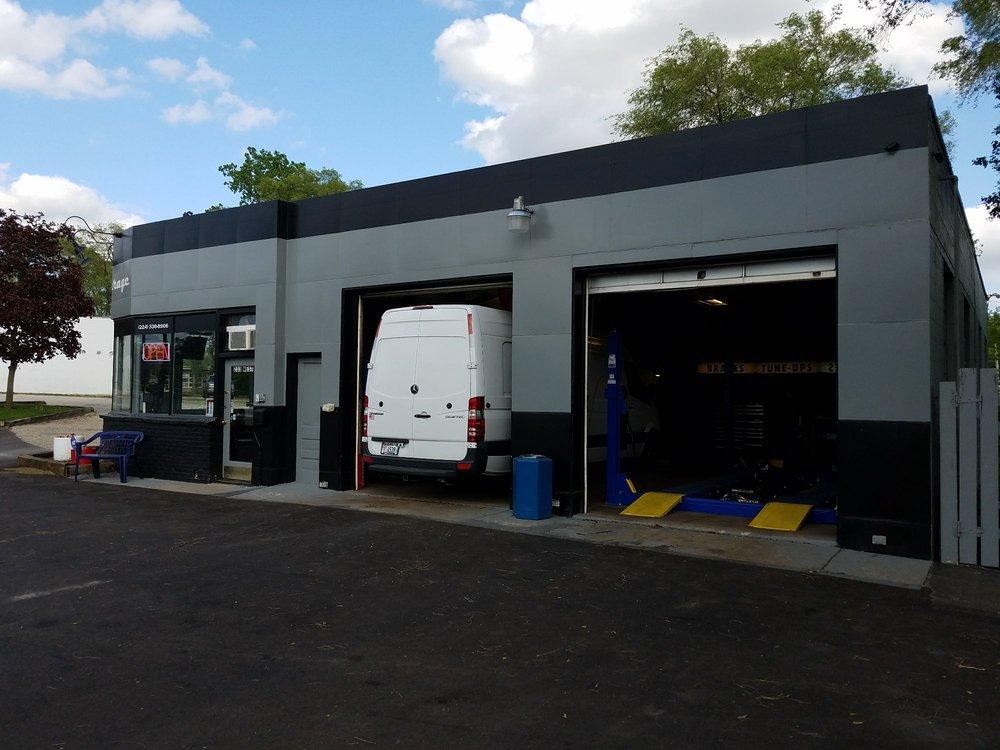 Ambriz Garage: 233 W Washington St, Round Lake, IL