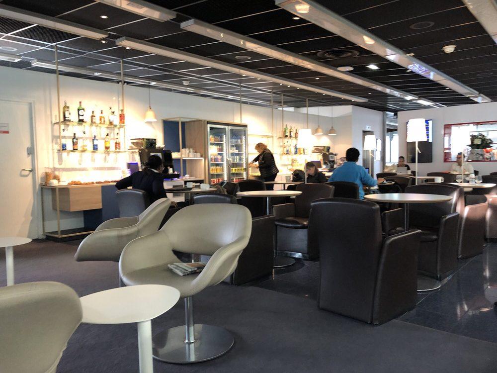 Salon air france terminal ouest aeroport de for Salon air france orly