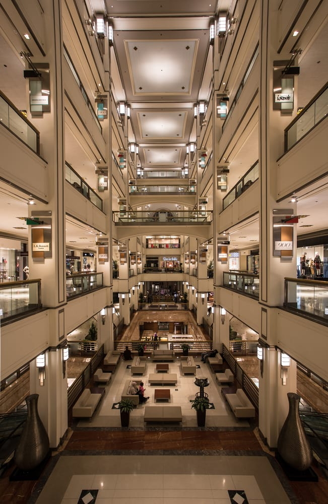 900 North Michigan Shops: 900 N Michigan Ave, Chicago, IL
