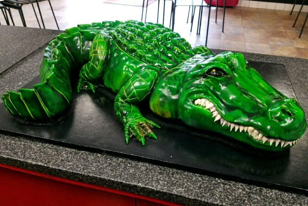 Pin Up Cakes: 12556 Lambert Rd, Whittier, CA