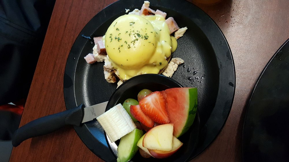 Corner Cafe: 796 Commerce Ave, Longview, WA