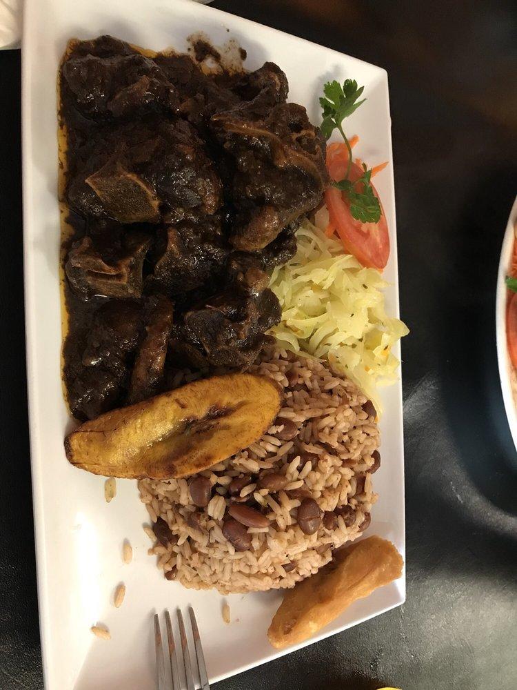 Nicolettes Caribbean Cafe