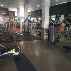 Gimnasio real gimnasios calle real 9 castilleja de la for Gimnasio ua