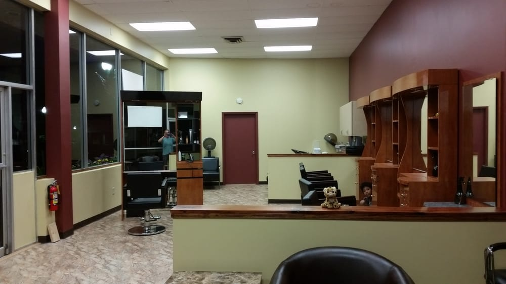 Alter Image Salon: 100 Genesee St, Auburn, NY