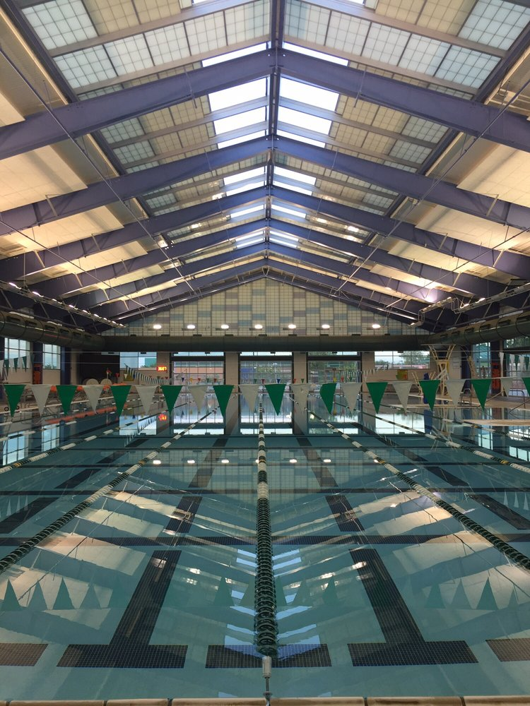 Pavilion center pool 21 photos swimming pools 101 s pavilion center dr summerlin las for Las vegas swimming pools open to public