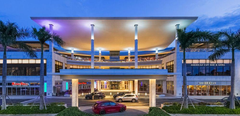 The Mall of San Juan: 1000 Mall of San Juan Blvd, San Juan, PR